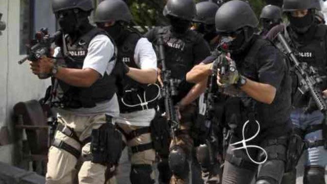Densus Tangkap 12 Terduga Teroris di Kalsel, Bali dan NTB