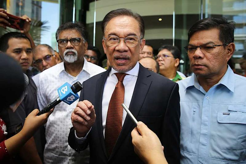 Datuk Seri Anwar Ibrahim today lauded the announcement that all Cabinet ministers' salaries will be deducted for the next two months and channelled to the Covid-19 fund. — Picture by Yusof Mat Isa