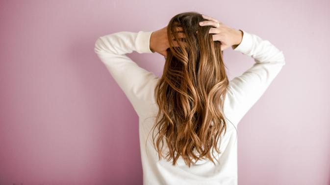 Ilustrasi rambut bersih dan sehat | unsplash.com/@element5digital