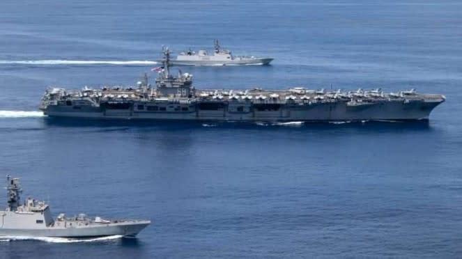 VIVA Militer: USS Nimitz dan militer Amerika di Samudera Hindia.
