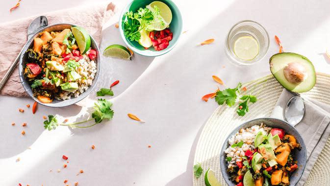 Ilustrasi Makanan Vegan dan Vegetarian Credit: pexels.com/EllaOlson