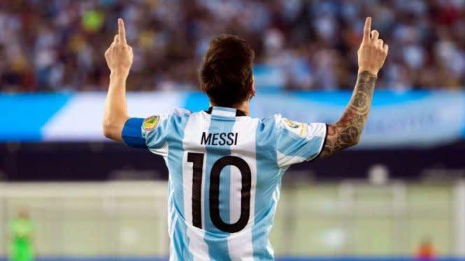 Video Tendangan Penalti Geledek Messi Menangkan Argentina Vs Ekuador