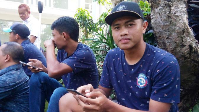 Pemain muda Arema, Junda Irawan,bicara soal penangguhan regulasi pemain U-23 di Liga 1. (Bola.com/Iwan Setiawan)