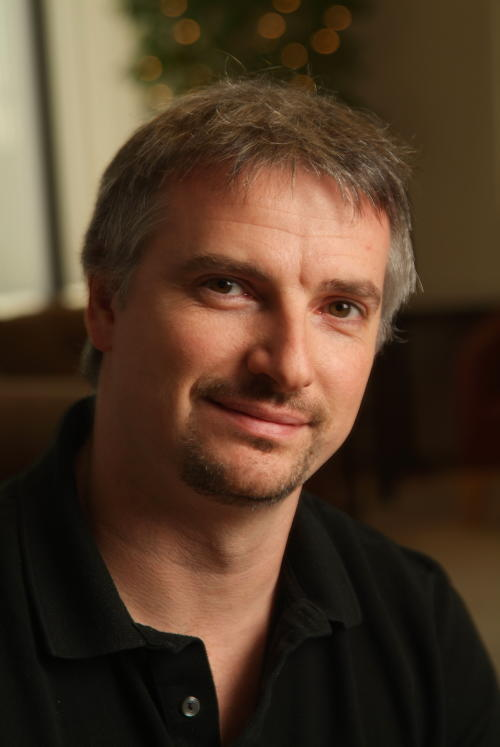'Walking Dead' Boss Glen Mazzara to Develop Cable Shows for Fox