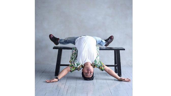 5 Gaya Kocak Arif Alfiansyah saat Berfoto, Tak Bisa Diam (sumber: Instagram.com/arif_alfiansyah)