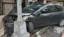 疑酒駕失控衝撞烤鴨店騎樓 嚇壞樓上住戶