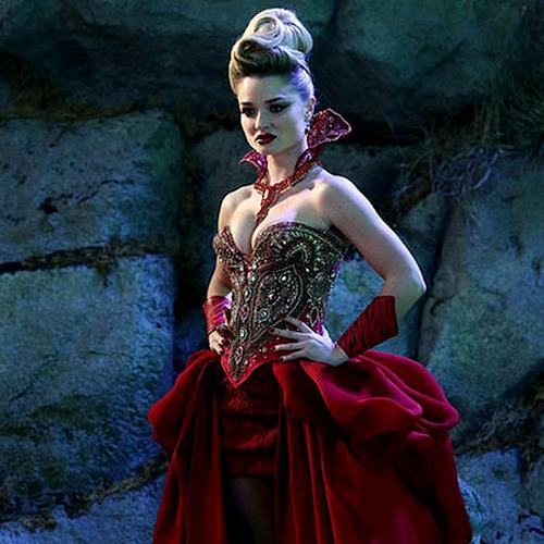 "Video: Why the Red Queen Will Watch the Once Upon a Time in Wonderland Premiere ""Alone"""