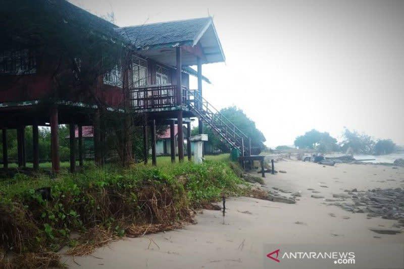 Wisata Pantai Ujung Pandaran Kalteng terancam hancur akibat abrasi