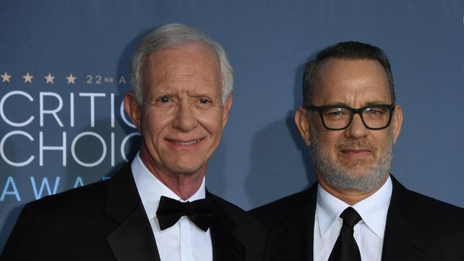 Chesley Sully Sullenberger (sebelah kiri). (source: Mark RALSTON/AFP)