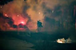 Penggemar PSG bentrok dengan polisi, 83 orang ditangkap