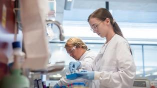 新冠疫苗:牛津疫苗研發成功 三種疫苗各有優勢