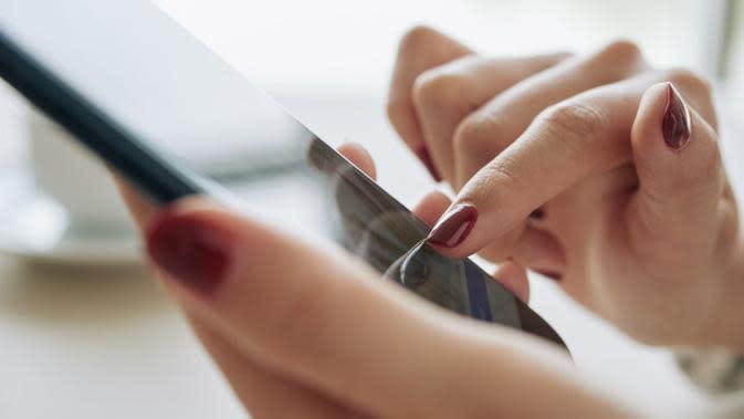 Ilustrasi Penggunaan Ponsel Credit: pexels.com/pixabay