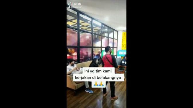 VIDEO TikTok Bola.com, Perbedaan Di Depan dan Di Belakang Layar Bola Esport Challenge Bersama Bintang Persija