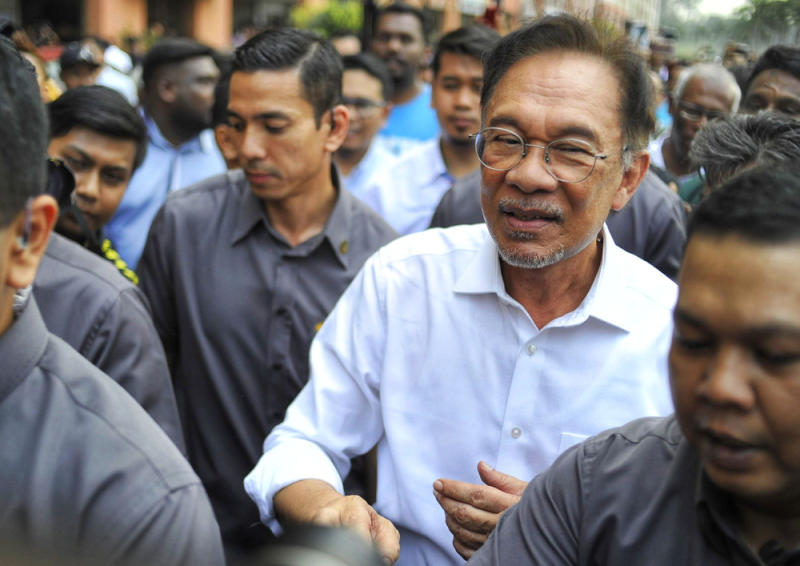 Datuk Seri Anwar Ibrahim today reminded the attorney general that Malaysia's constitution guarantees freedom of expression amid an ongoing court case that could test the extent of anyone's right to free speech. — Picture by Shafwan Zaidon
