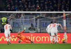 Ronaldo terus mencetak gol, menempatkan Juve di puncak Serie A
