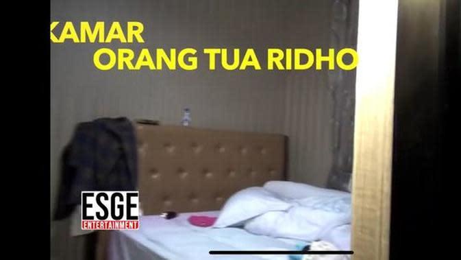 Tampilan rumah Ridho D'Academy. (YouTube Esge Entertainment via Merdeka.com)