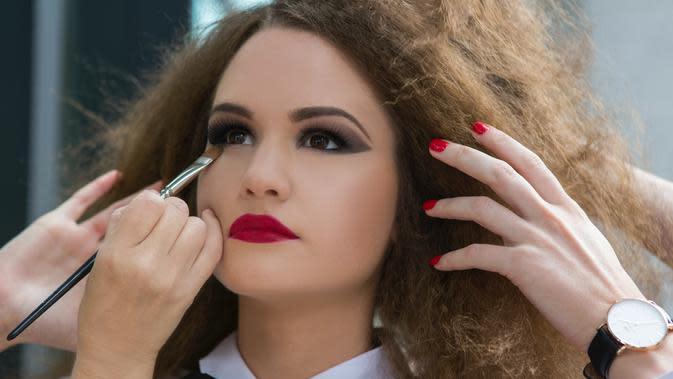 Quiz: 3 Cara Merias Wajah dapat Ungkapkan Kepribadian