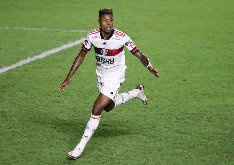 Flamengo come from behind to beat rivals Vasco 2-1