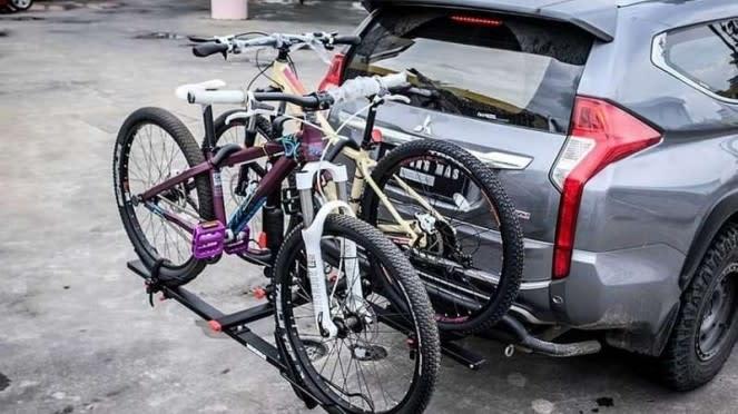 Rak sepeda tambahan di mobil