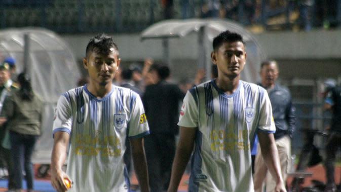 Kapten PSIS, Haudi abdillah (kanan). (Bola.com/Ronald Seger Prabowo)