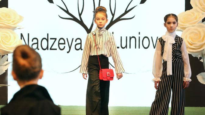 Unboxing Pakaian Anak dari Brand Prancis, Cocok untuk Outfit Lebaran Si Kecil