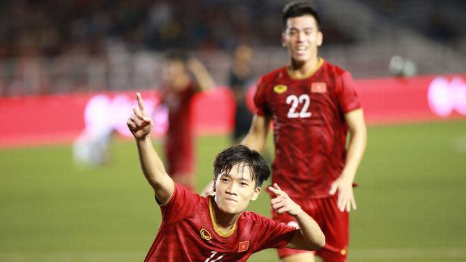 Pencetak gol kedua ke gawang Timnas Indonesia U-22, Nguyen Hoang Duc, saat laga kontra Vietnam di Stadion Rizal Memorial, Manila (1/12/2019). (Bola.com/Dok. VFF)