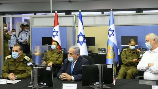 VIVA Militer: Benjamin Netanyahu di markas militer Israel (IDF).