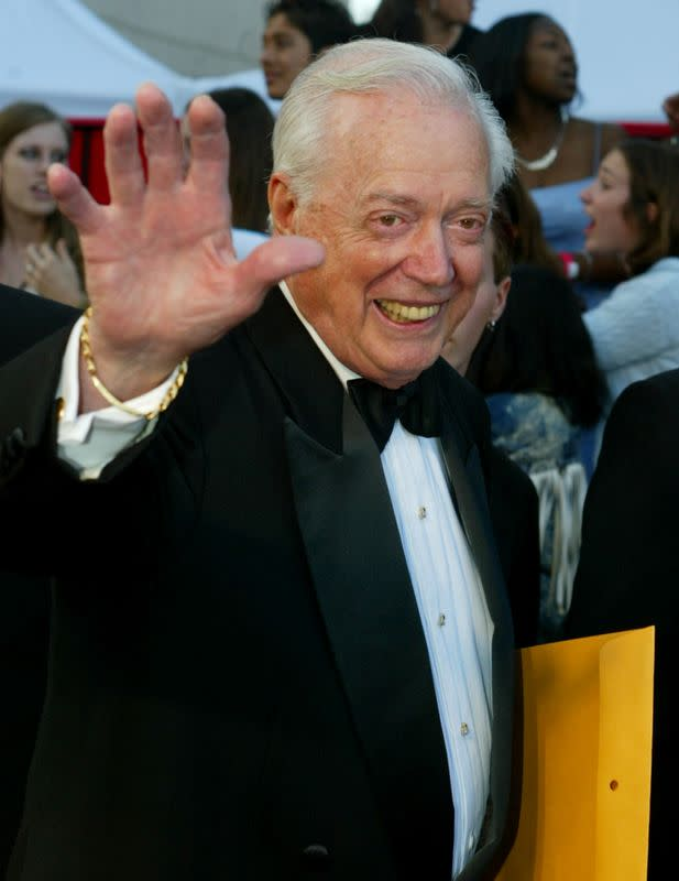 U.S. television broadcaster Hugh Downs dies at age 99