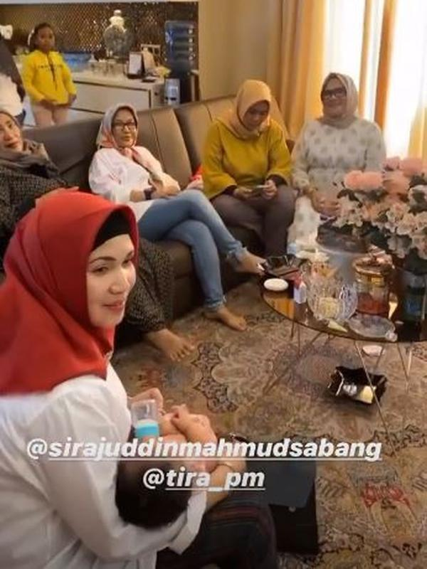 Rumah keluarga Sirajuddin suami Zaskia Gotik. (Instagram @zaskia_gotix via Brilio)