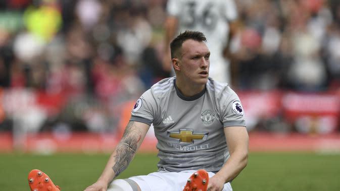 Bek Manchester United (MU), Phil Jones. (AFP/Paul Ellis)