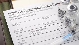 國外接種之新冠疫苗接種證明應妥善保存 國內補登不另核發