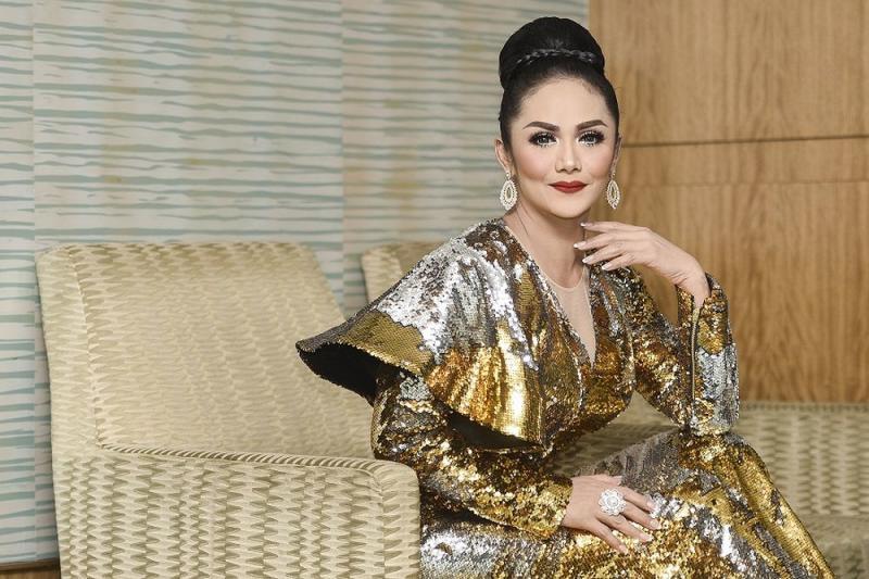 The 44-year-old was in Kuala Lumpur on December 14 to perform at Malaysian AIDS Foundation (MAF)-Berjaya Tun Dr Siti Hasmah Award Gala Dinner. — Pix by Miera Zulyana
