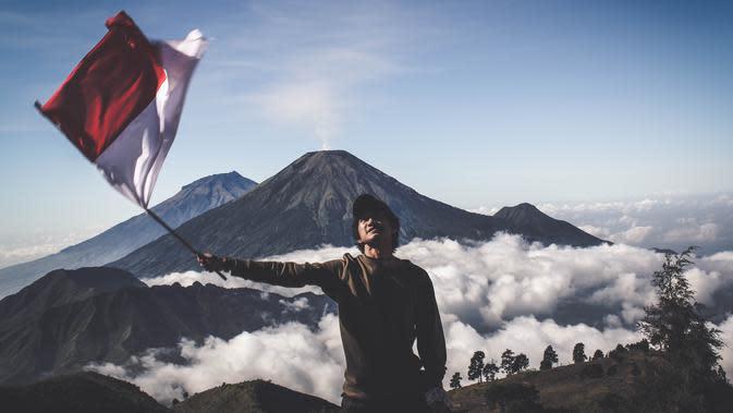 Ilustrasi bendera Indonesia. | dok. pexels.com/@diohasbi