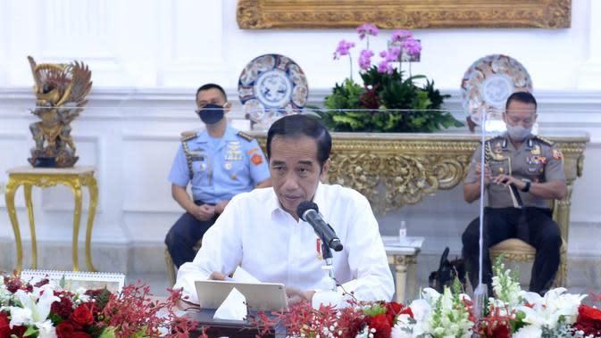 Presiden Jokowi saat rapat terbatas dengan Wapres Ma'ruf Amin dan menteri Kabinet Indonesia Maju di Istana Merdeka Jakarta, Senin 3 Agustus 2020. (dok Biro Pers Sekretariat Presiden)