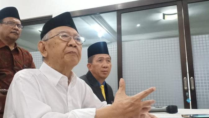 4 Fakta Prosesi Pemakaman Gus Sholah, Sholat Jenazah Dipimpin Wakil Presiden (Liputan6.com/Dian Kurniawan)