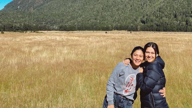 Momen Nana dan Naysila Mirdad ketika menghabiskan waktu berlibur di Selandia Baru. (Sumber: Instagram @nanamirdad)