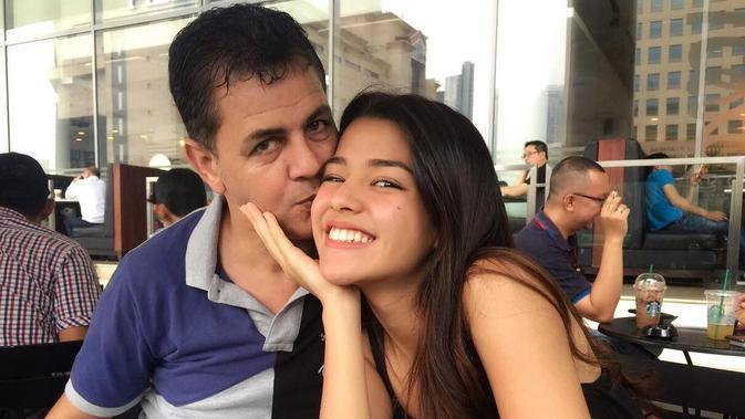 Potret Kebersamaan Susan Sameh dan Ayahnya yang berdarah Mesir. (Sumber: Instagram.com/susansameeh)