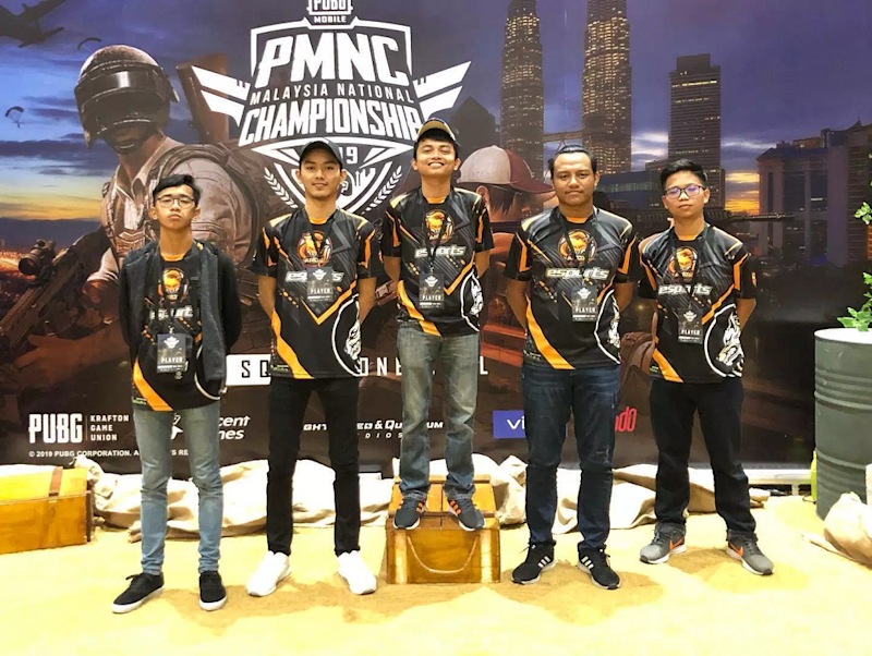 Aiman (second right) had to miss out twice on representing Malaysia in the Southeast Asia level in PUBG Club Open SEA League 2019, namely the Spring Split and Fall Split in China due to his statelessness then. — Picture via Facebook/ Boyka Gaming