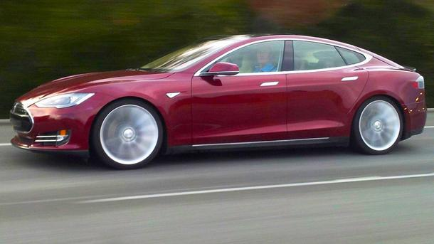 Elon Musk calls out New York Times after Model S strands test driver