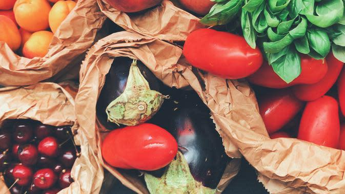 sayur dan buah yang kaya akan serat dapat meningkatkan sistem kekebalan tubuh lewat pemeliharaan sistem pencernaan | pexels.com/@oleg-magni