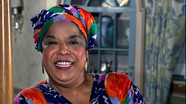Della Reese, 'Touched by an Angel' Star and R&B Singer, Dies at 86 B95225f5269d18d0f6a62889dd2c698b