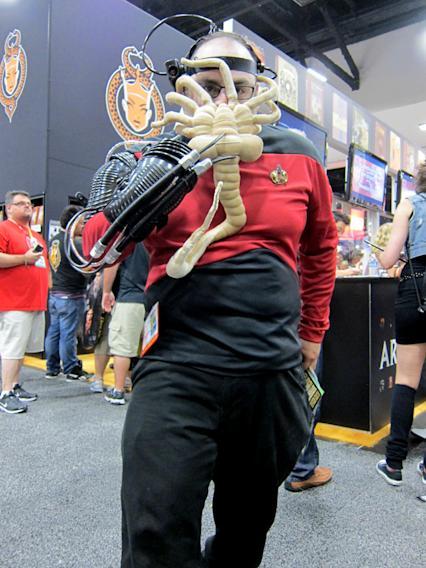 This Starfleet officer is having a really bad day - San Diego Comic-Con 2012