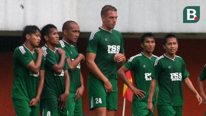 Kristian Adelmund, bek asal Belanda yang punya peran vital di PSS Sleman pada musim 2013-2014. (Bola.com/Vincentius Atmaja)