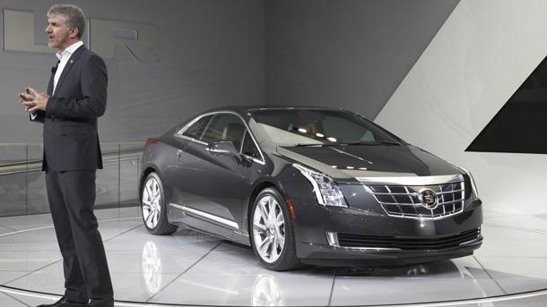 2014 Cadillac ELR, a Caddy coupe de Volt, emerges