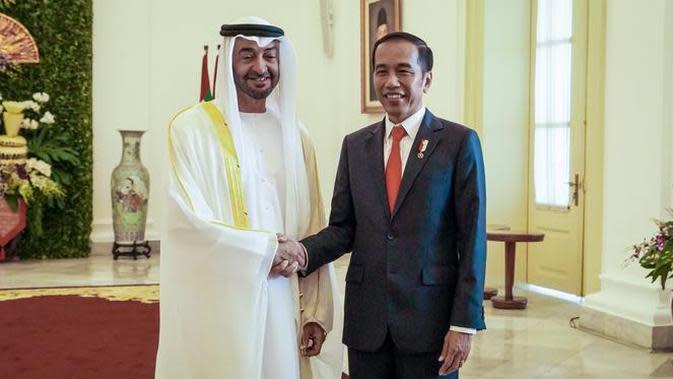 Presiden Jokowi menyambut Putra Mahkota Abu Dhab Mohamed Bin Zayed Al Nahyan di Istana Bogor, Kamis (24/7/2019).(Liputan.com/HO/Setkab Agung)
