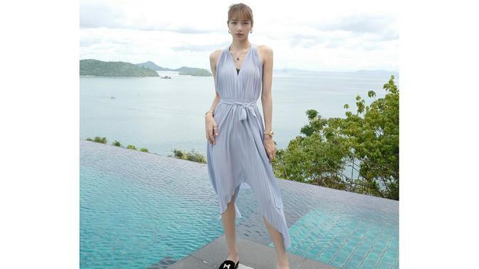 Lisa BLACKPINK saat liburan di Phuket, Thailand. (dok. Instagram @lalalalisa_m/https://www.instagram.com/p/B4e2bHwjOYI/Putu Elmira)