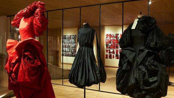 Pameran 'Roses' yang digelar rumah mode Alexanader McQueen berlangsung di 27 Old Bond Street, London. (Doc. Alexander McQueen)