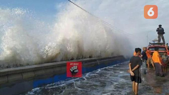 BMKG: Waspada Rob dan Gelombang Tinggi di Perairan Utara Jawa hingga Sabtu 6 Juni