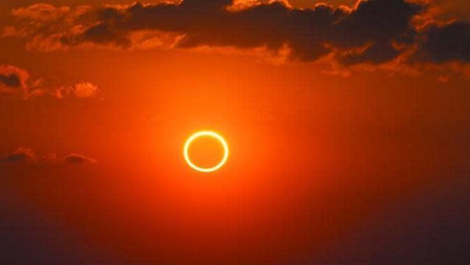 Siap-Siap, Gerhana Matahari Cincin Akan Terjadi Siang Nanti