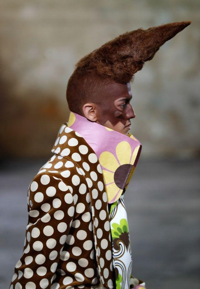 Paris Fashion Week Men's puts a theatrical spin on catwalk beauty